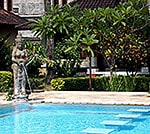 swimmingpool hotel Kuta